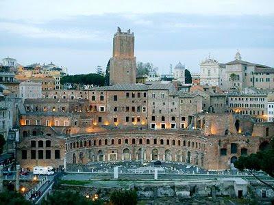 I mercati traiani for Mercatini roma oggi