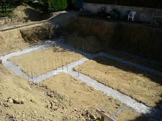 Maison euromac 2 ou comment faire sa maison soi m me fondations en place - Faire les fondations de sa maison soi meme ...