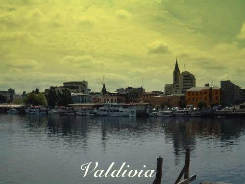Vista de Valdivia desde Isla Teja