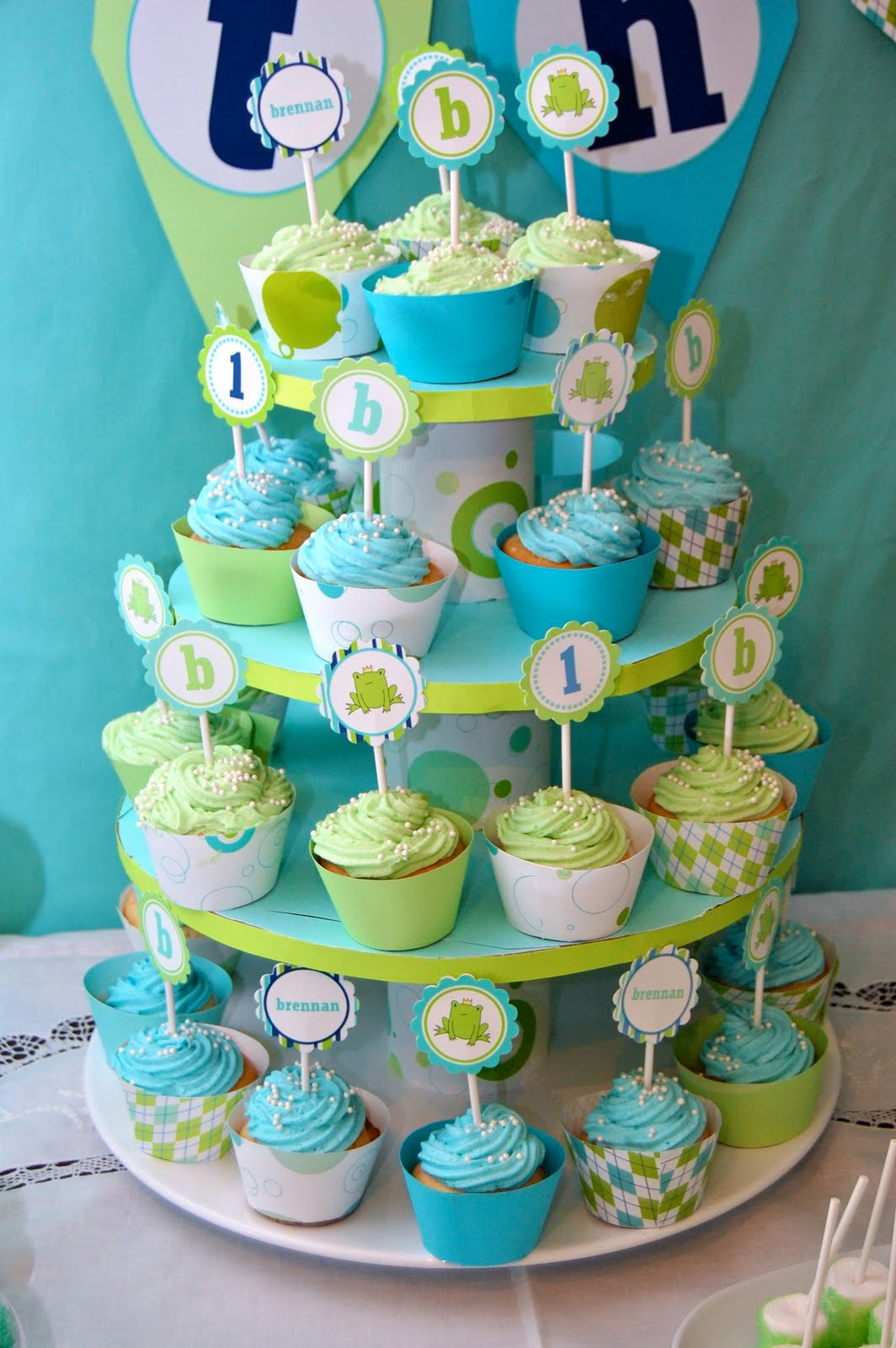 Frog Prince Cupcake Tower - it was DIY! - Frog Prince Paperie