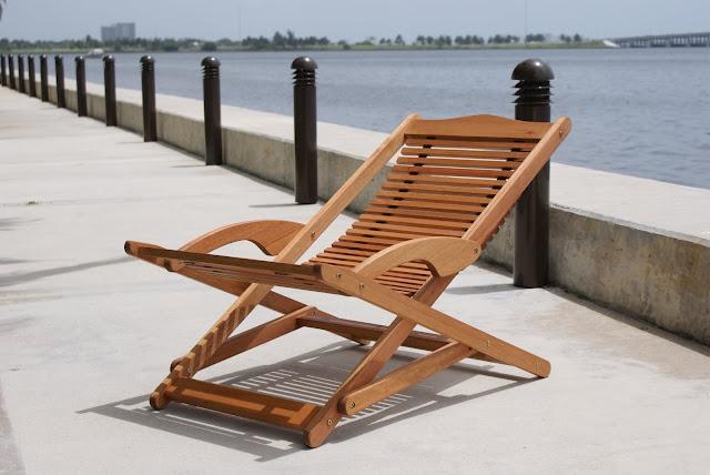 Eucalyptus Wood Patio Chairs 48 Picnic Table With Four Deck Chairs Eucalyptus Garden Patio