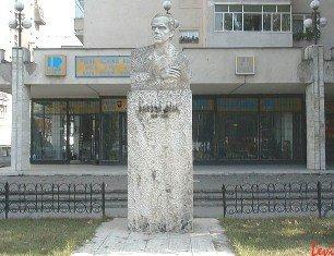 Statuia lui Bela Bartok la Tirgu Mures