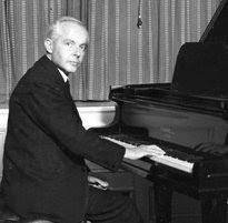 Bela Bartok la pian