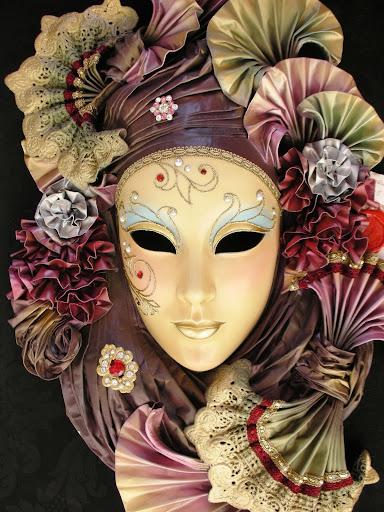 He+aqui+un+ejemplo+de+este+tipo+de+artesania,+ya+me+gustaria+estar+para+el+carnaval+veneciano.JPG