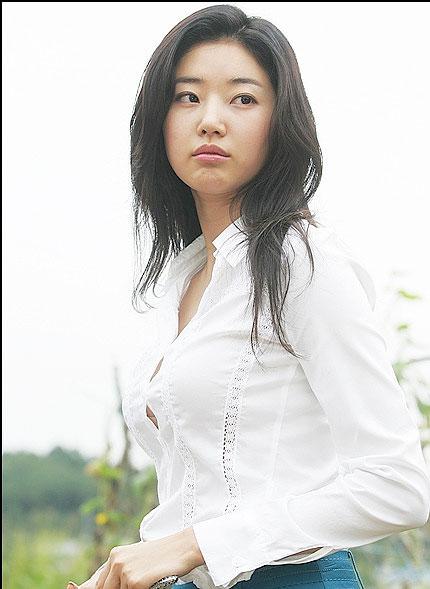 Korean celebrity song ji hyo love scene - 2 part 2