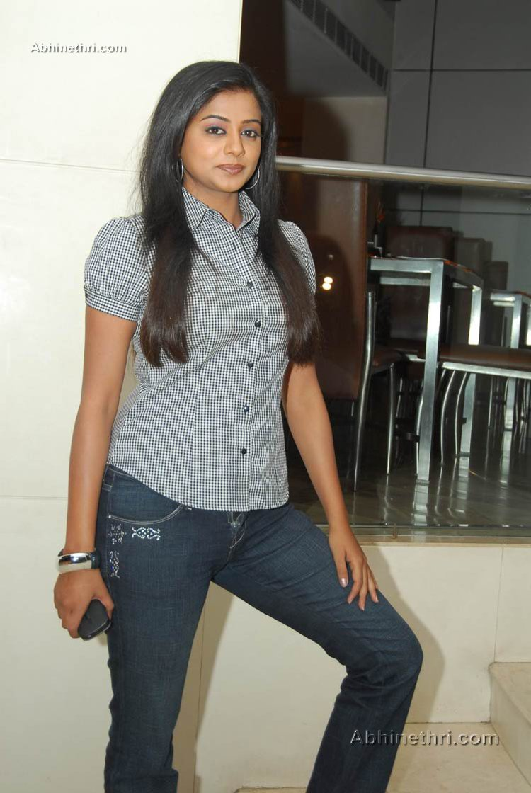 south indian actress hot photos in jeans
