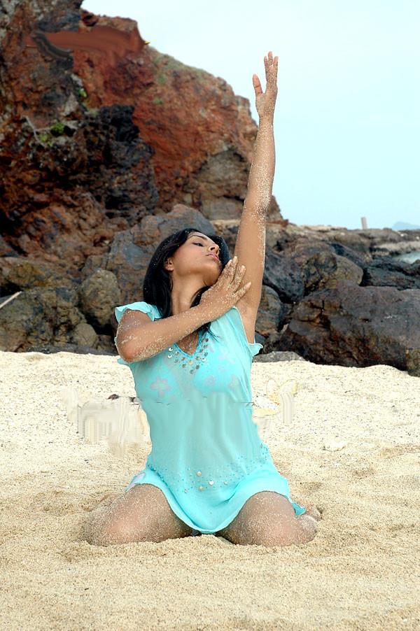 Sexy Kannada Actress Ramya Aka Divya Spandana Hot Photo