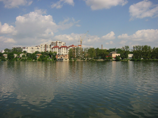 Ternopil, Ukraine: A lake in the city center