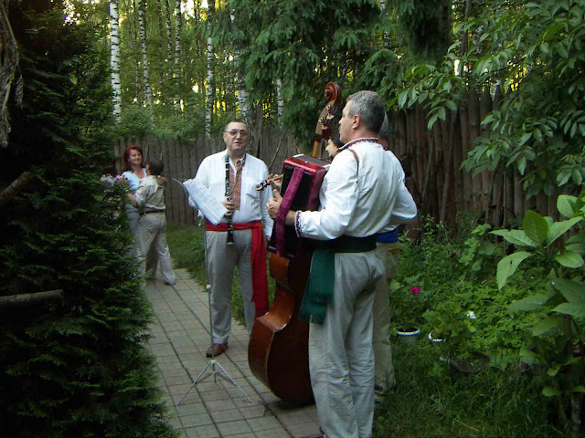 Ternopil, West Ukraine: The Lemkivskyj Dvir Restaurant Musicians