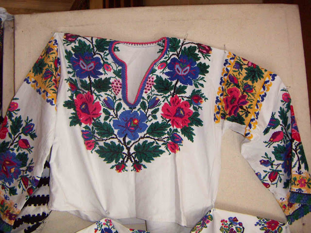 Borshchiv embroidery, West Ukraine