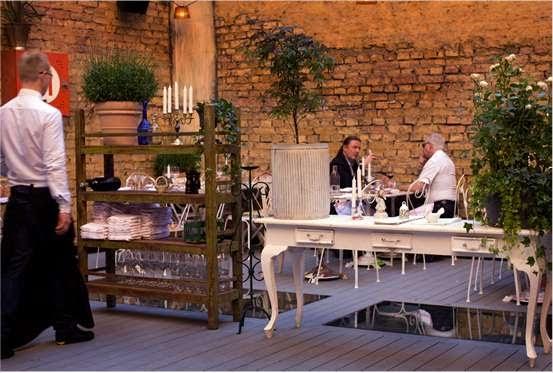 tracie ellis design the story hotel stockholm. Black Bedroom Furniture Sets. Home Design Ideas