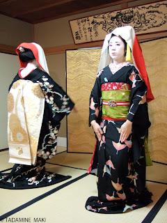 Maiko dancing, Gion, Kyoto