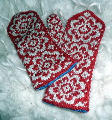 brilliant pattern, End of May mittens , by Mandy Powers ...