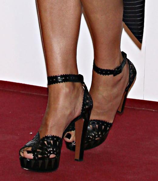 Sandra bullock feet pics