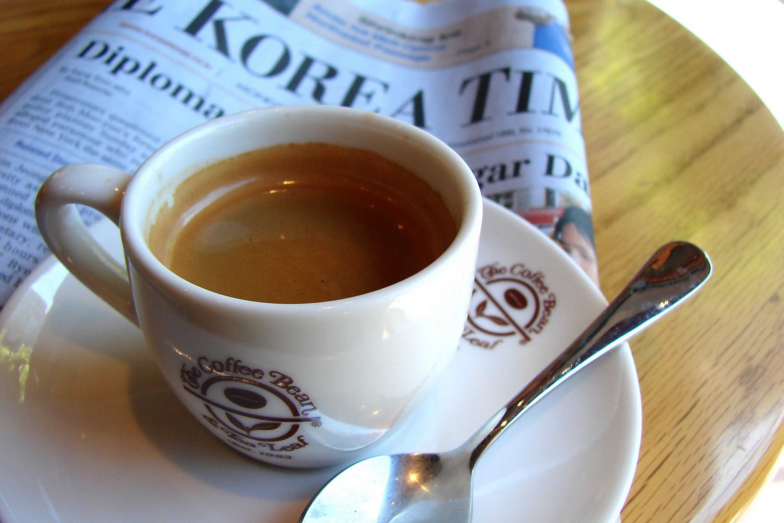 [4-+Expresso+&+news+3699+pause+cafe.jpg]