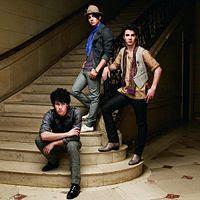 Pushing Me Away lyrics performed by Jonas Brothers