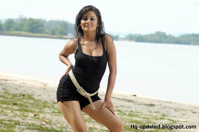 Archana Gupta Hot Stills From Tamil Maasi Movie