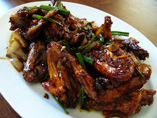2 Resep Masakan Ala Chef Farah Quinn : Membuat Kue Tiramisu Kukus dan Ayam Kecap