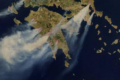 The Show Must Go On Grecia In Flacari Imagini Din Satelit