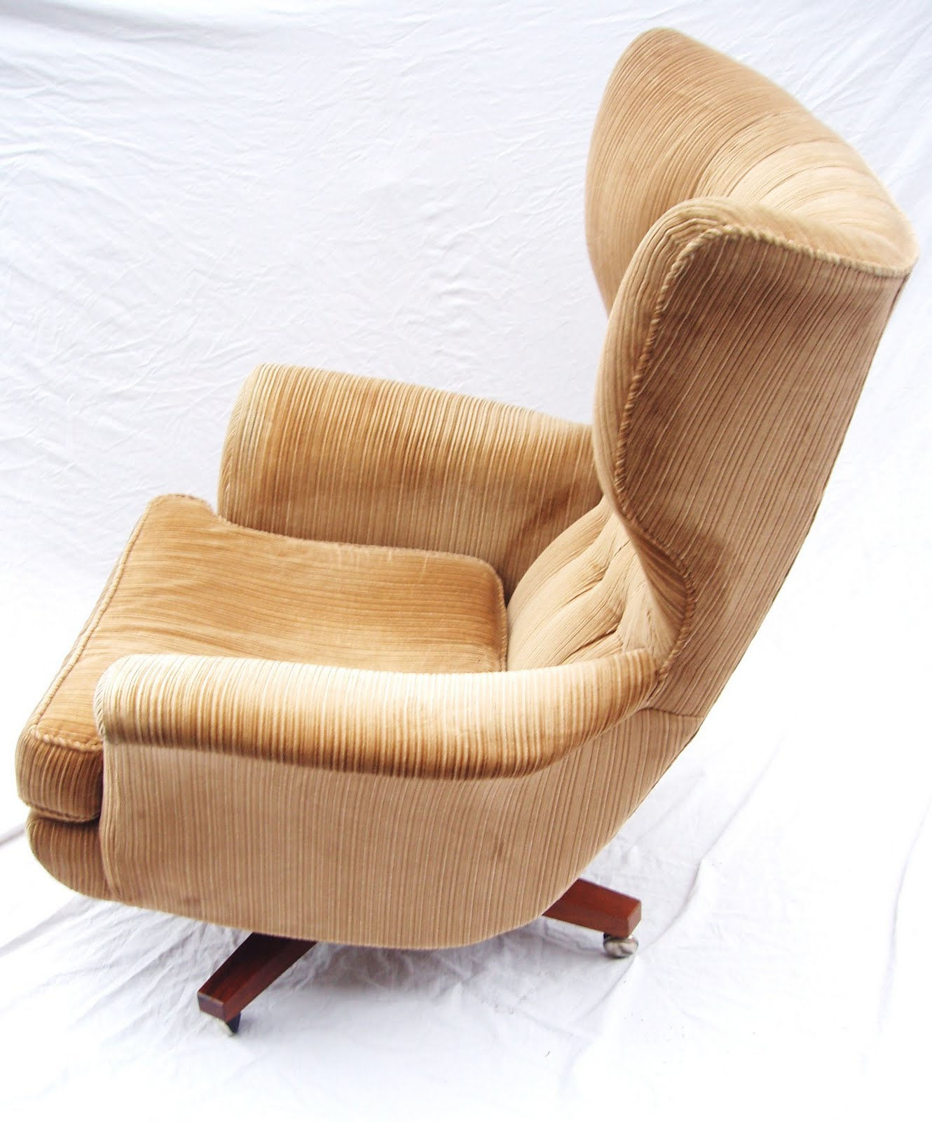 comfortable swivel chair craigslist table and chairs the most in world