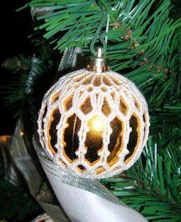 Il Filo Che Crea Palline Per Lalbero Di Natale Rivestite Alluncinetto