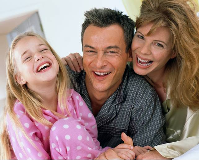 [Family+laughing.jpg]