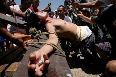 Resultado de imagen para crucifican de verdad