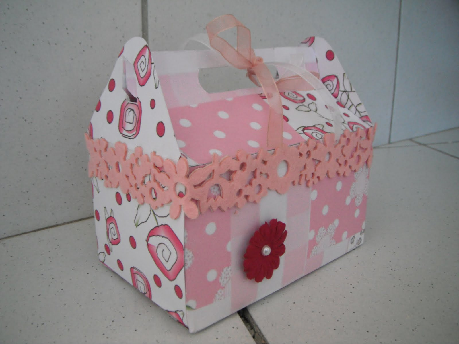Touche a tout le retour petite boite en carton - Gabarit maison en carton ...