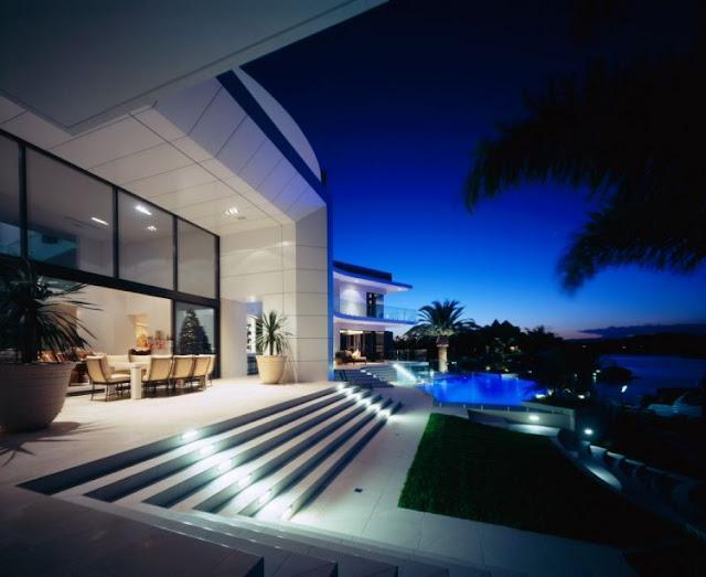 Luxury house in surfers paradise queensland australia - Casas minimalistas de lujo ...