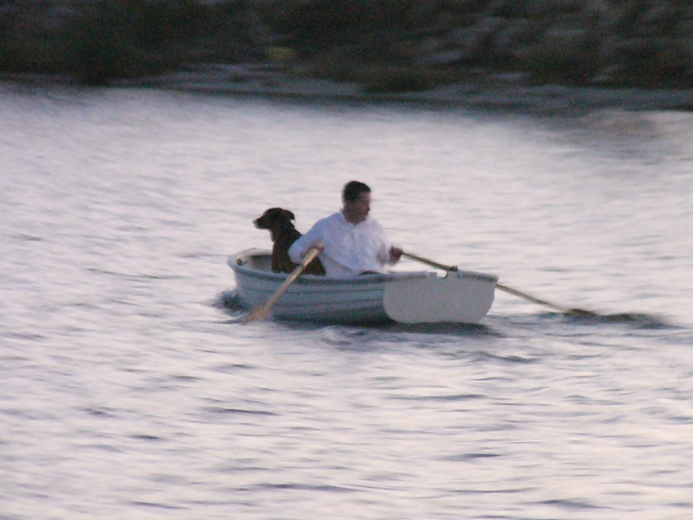 P1130506-hank+dinghy+zoom.JPG