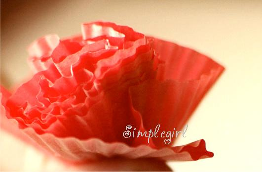 how to make flowers with cupcake liners