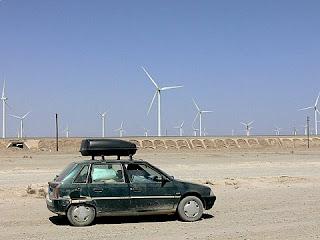 eoliennes dans le desert du xinjiang