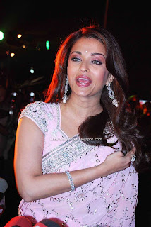 aishwarya rai in pink saree4