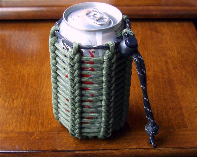Stormdrane's Blog: Vertical half hitching paracord pouch/can koozie