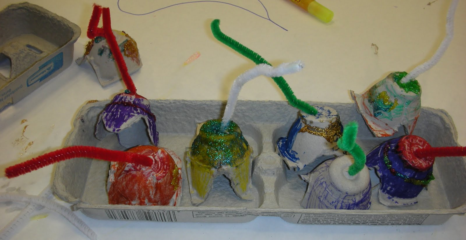 Henderson Libraries: Egg Carton Ornaments