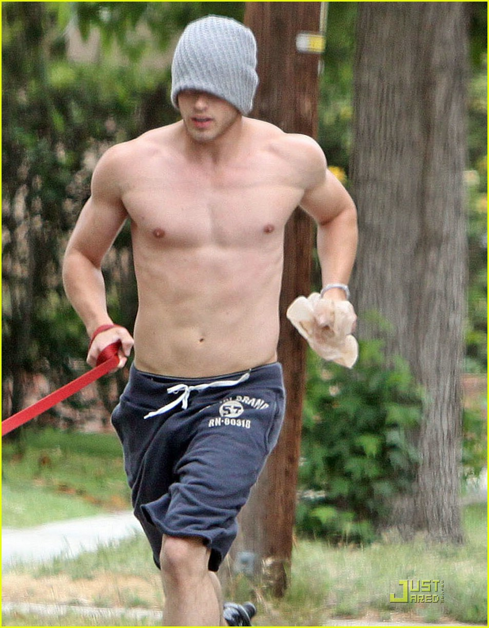 Kellan Lutz Twilight Jogging With His Dog Famous Hot Guys