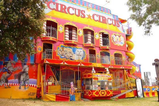 Y bueno una parte de un juego que si parece circo pero no lo es, es un parque de diversiones