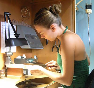 ee32a0e66fc Entrevista com Leela Kopittke da Joalheria Artesanal - Blog do Elo7