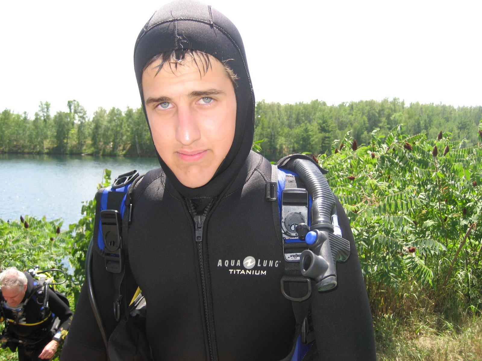 [Ben+Diving.JPG]