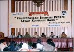 Menjadi nara sumber seminar  Bisnis Indonesia