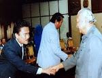 Menyampaikan usulan Menghadap Presiden RI Soeharto