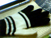 image of knitted gloves by pinaysaamerika