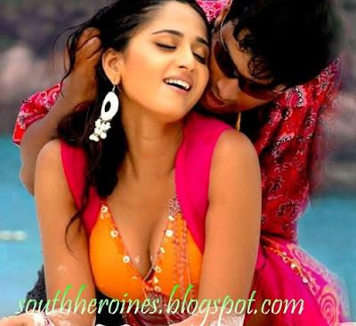 Anushka shetty,Anushka shetty movie wallpapers,anushka with madhavan,anushka in rendu,anushka telugu,tamil,kollywood,tollywood,south indian actress