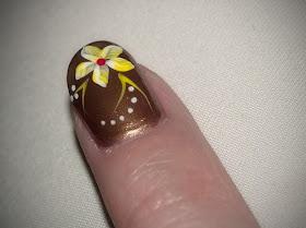 Uñas Perfectas Flores Amarillas