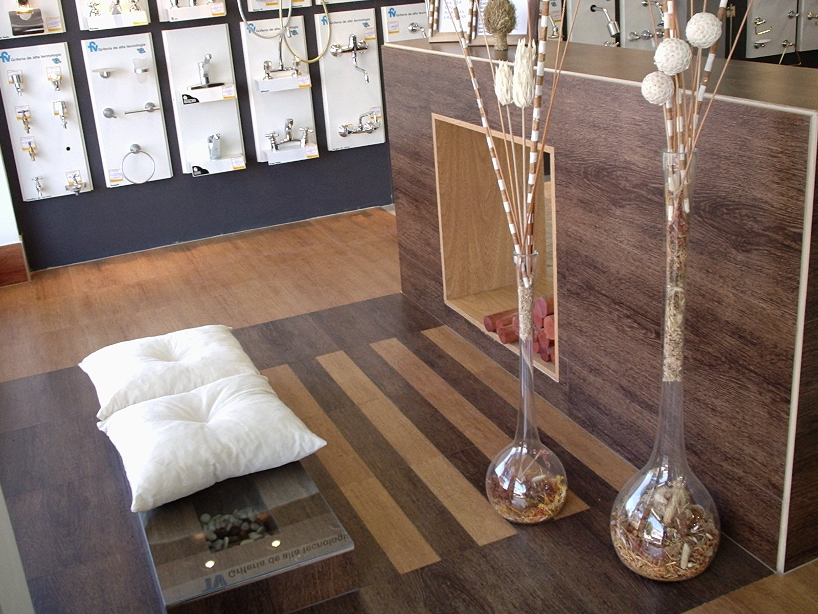 Stucco Italiano Wood Floor Amp Stucco Wall
