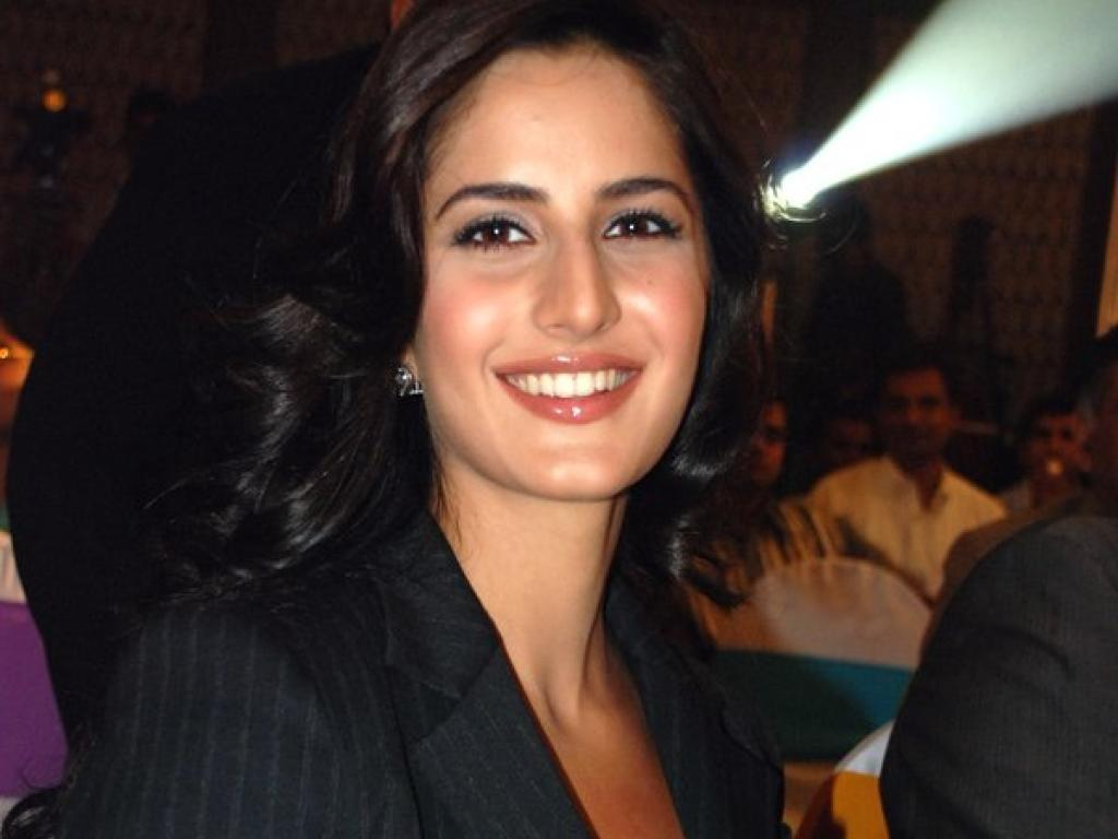 Image Result For Ketrina Kaif Wallpepar Wallpaper Undefined Katrina Kaif Picture Wallpapers Wallpapers