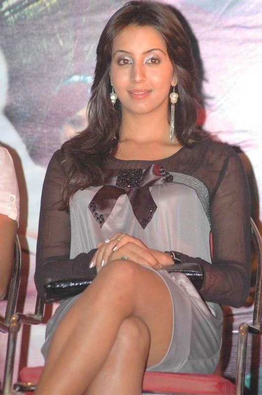 Wallpaper Of Indian Actress Panties Showing Stils