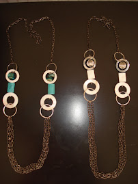 Collar largo cadena/ piedra/ nacar $ 7.000