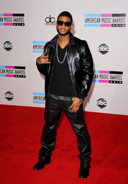 8751787f2f1f Usher arrived on the red carpet of the 2010 American Music Awards in Los  Angeles, California wearing a pair of Oliver Peoples Balmain 1 Sunglasses  ($595).