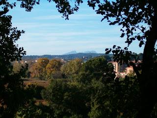 La Plana del Castell: sustituid el verde del fondo por el rojo tocho, y así será en cinco años